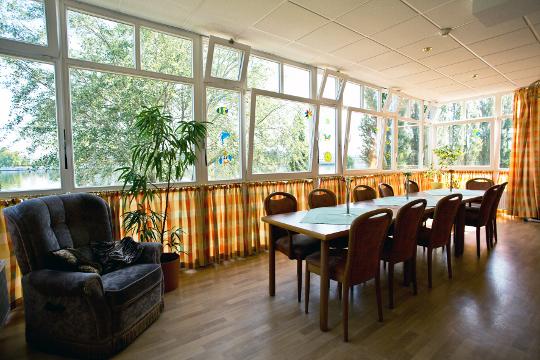 unsere zimmer senioren und therapiezentrum haus an der spree. Black Bedroom Furniture Sets. Home Design Ideas